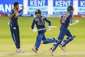 भारत श्रीलंका से 4 विकेट से हारा